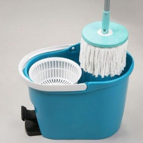 Whirly mop